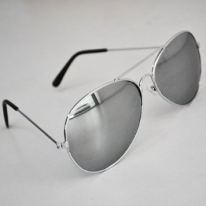 Post image for Unisex Metal Aviator Sunglasses $2.24 Shipped