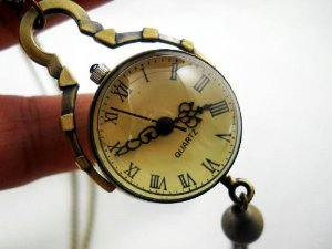 Post image for Vintage Style Glass Ball Steampunk Watch $3.95 Shipped