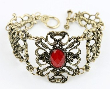 Post image for Amazon: Ruby Heart Necklace and Bracelet $1.59 Shipped