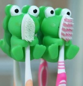 Post image for Amazon-2pc Frog Toothbrush Holders for $1.99 Shipped