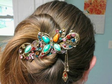 Post image for Lovely Vintage Jewelry Crystal Butterfly Hairpin $2.93 Shipped