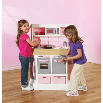 Post image for GONE: $40 American Plastic Toys Girls Cookin' Kitchen!