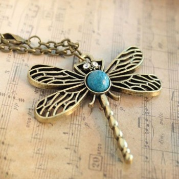 Post image for Amazon-Vintage Bronze Dragonfly Necklace Just $1.39 Shipped