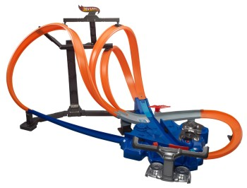 Post image for HOT**:Hot Wheels Triple Track Twister Track Set-$20 Shipped