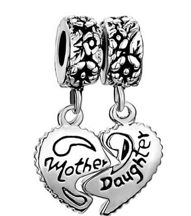 Post image for Amazon-Pugster Heart Mother & Daughter Beads Fit Pandora Chamilia Biagi Charm Bracelet $9.99