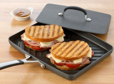 Post image for Amazon-Simply Calphalon Nonstick Panini Pan $27.19