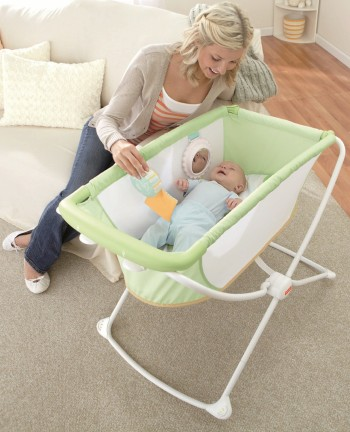 Post image for Amazon-Fisher-Price Rock n' Play Portable Bassinet $54.63