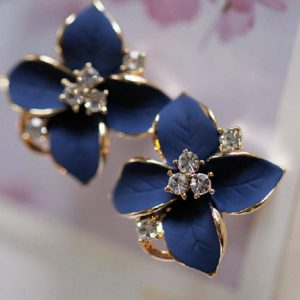 ladies blue flower earrings