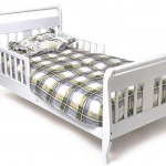 stork craft toddler bed